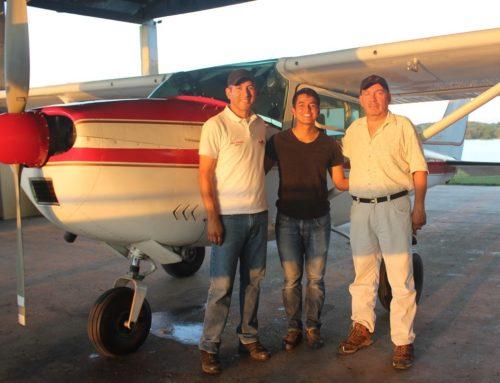Pr. Eben Ezer Espinoza (Pilot), Sebastian Diaz (Mechanic) & Miguel.